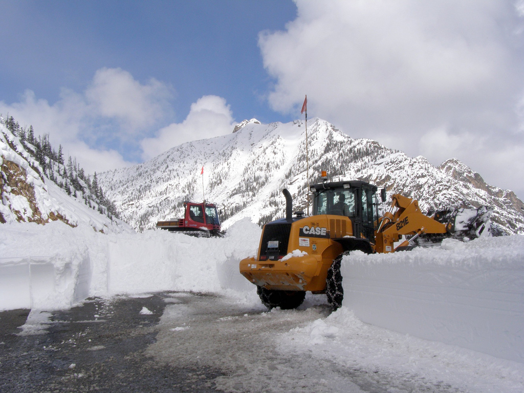Washington Pass opens