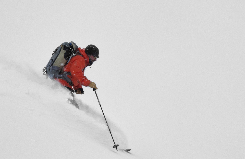 Powder Skiing on the DPS Wailer 112