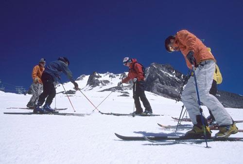 WyEast Nordic Telemark Ski Clinics on Mt Hood