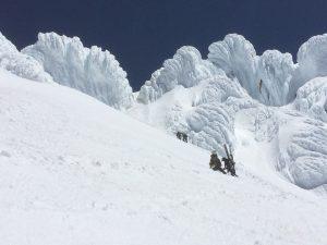 cascade volcano skiing