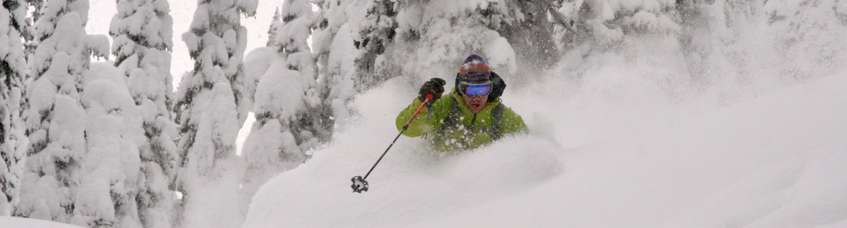 storm skiing the monashees