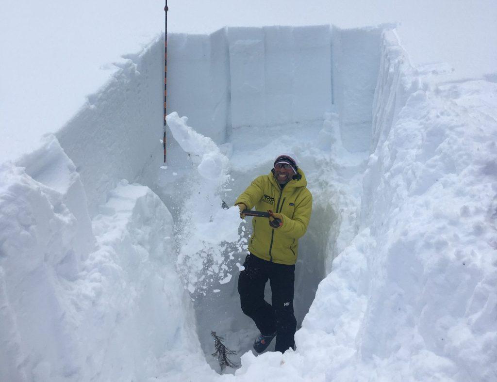 Avalanche Shovel